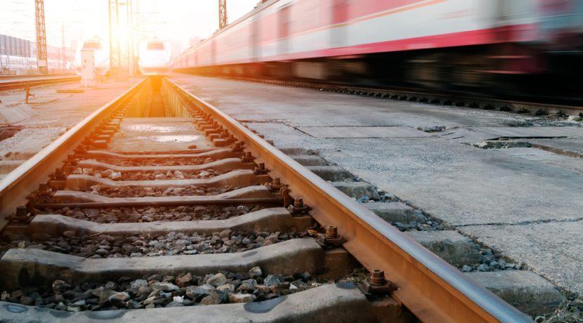電車運転士になるにはどうすればいいのか。ロマンを運ぶ電車の運転手のなり方